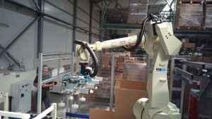 Packet handling robot OTC DAIHEN FD-V50