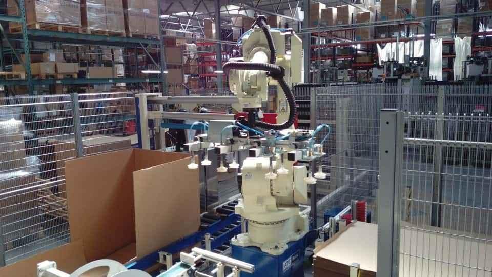 Pakuotės paletavimo robotas OTC Daihen FD-V50